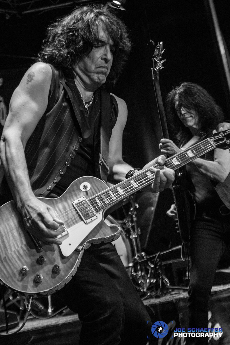 Paul Stanley jamming with campers.
